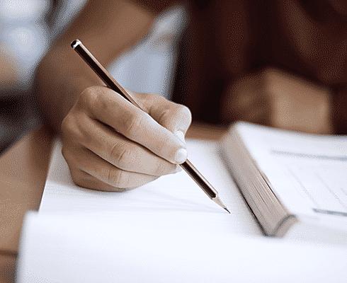 student doing distance study image